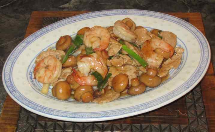 Mushrooms stir-fry Pork and Shrimp 1
