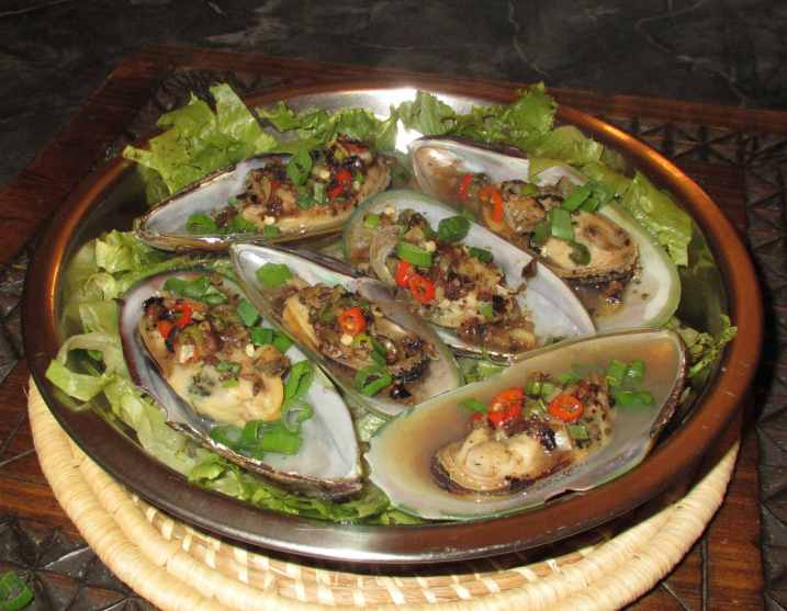 Steamed Black Bean Mussels 1