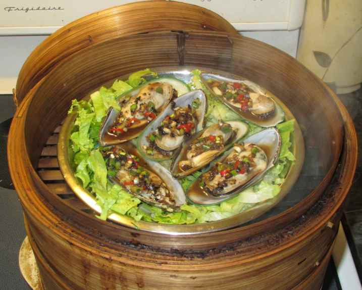 Steamed Black Bean Mussels 6