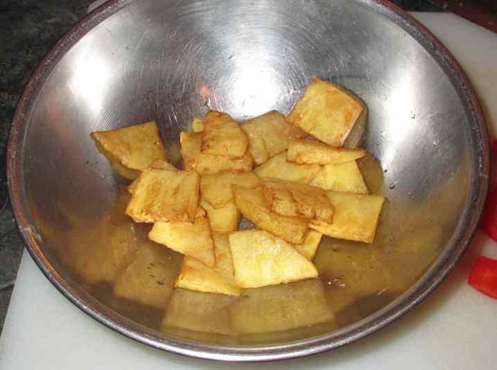 Thai-Style Pork and Pineapple 4