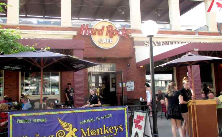 Hard Rock Cafe 1