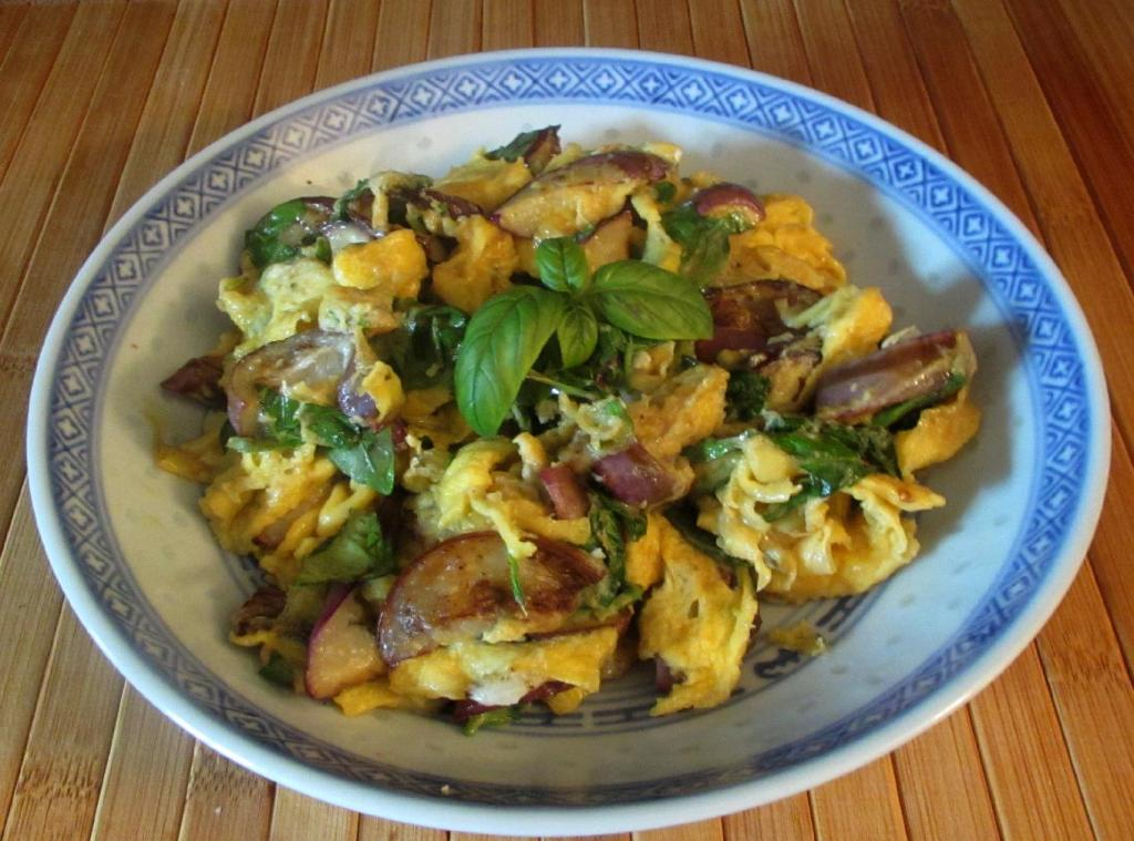 Eggs with Eggplant and Basil 01