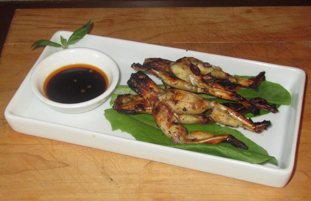 Grilled Frog Legs 01