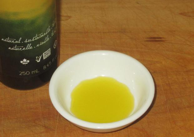 Camelina Oil 02