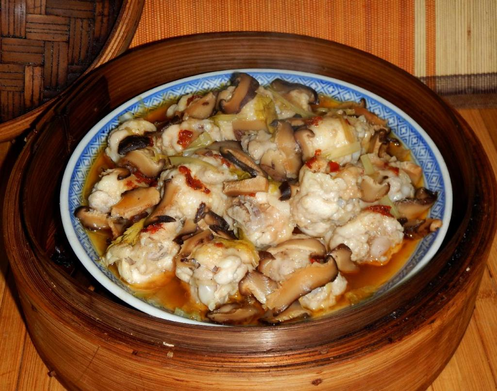 Steamed Chicken with Mushrooms 1