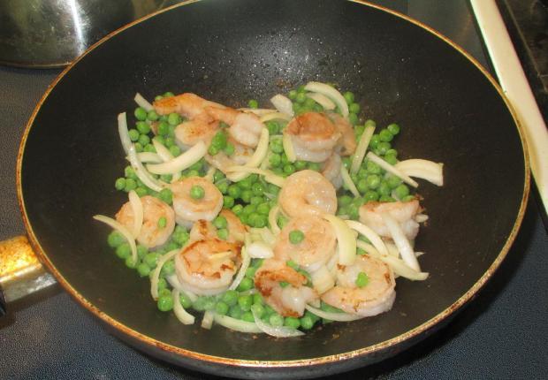 Shrimp and Peas with Egg 5