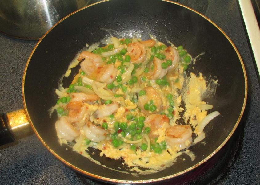 Shrimp and Peas with Egg 6