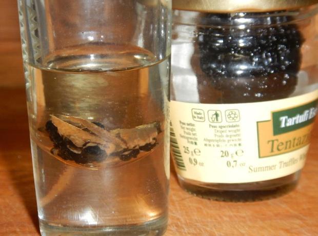 Preserved Black Truffles 4