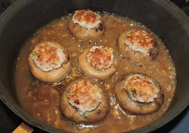 shrimp-and-pork-stuffed-mushrooms-10