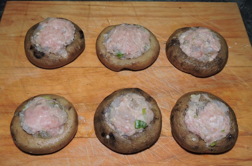 shrimp-and-pork-stuffed-mushrooms-7