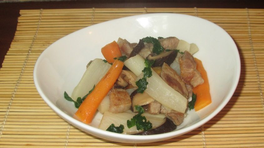 Braised Pork with Daikon 01
