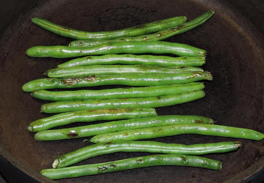 Sichuan Dry-Fried Green Beans 2