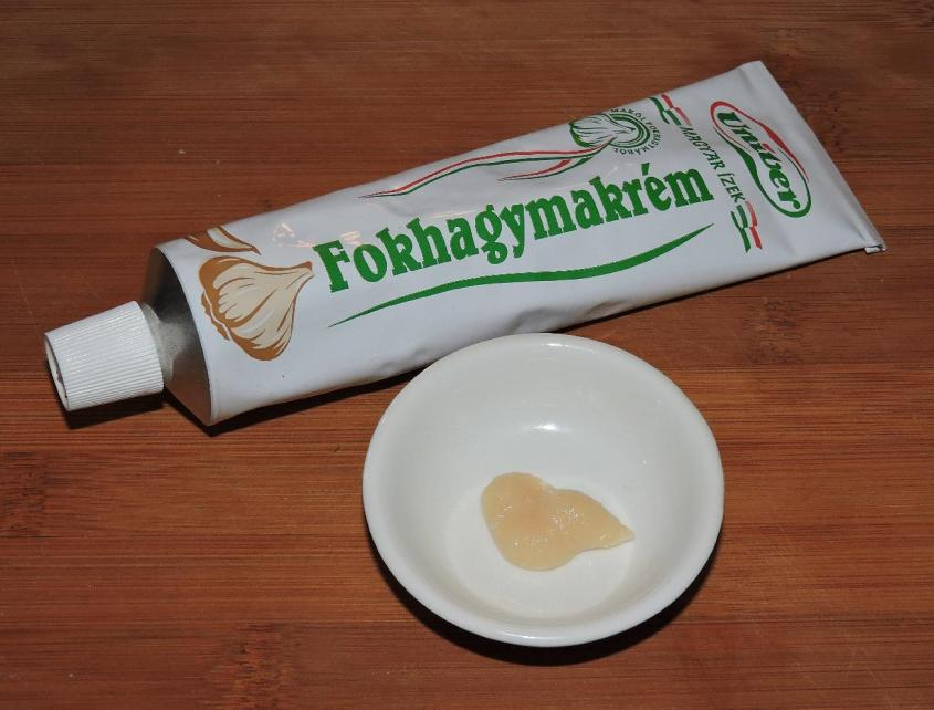 hungarian garlic in a tube 1